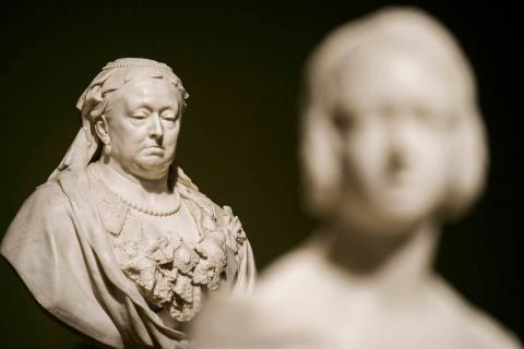 Fitzwilliamt Museum saves rare bust of Queen Victoria from export