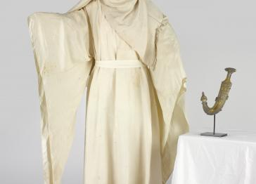 National Army Museum Saves Lawrence of Arabia's dagger, robes and kaffiyah for the nation